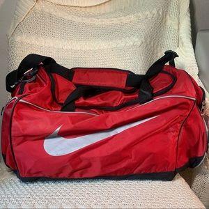 """Nike 18"""" Nylon Duffle Shoulder Gym Travel Bag"""